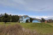 Charming houses on a Whidbey Island and Deception Pass Tour